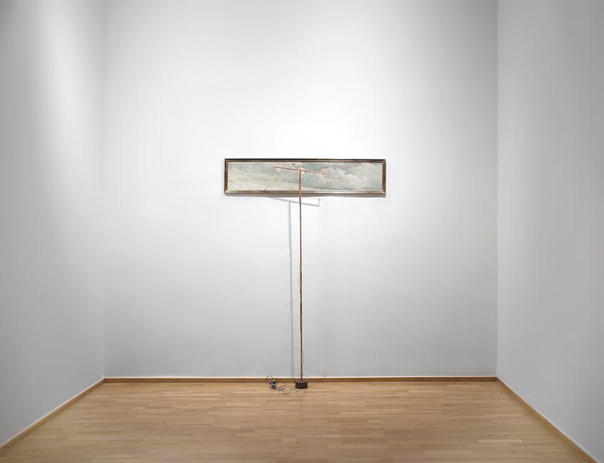 Jacqueline Mesmaeker. L'Androgyne, 1986 - 2013. Avion en phase d'approche. Technique mixte, 161 x 35 cm et 210 x 50 cm